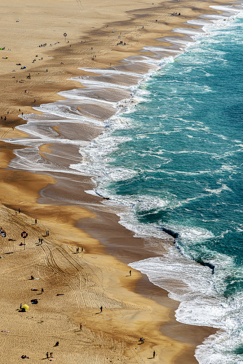 16Assigned_Carl_Volpe_1_Beach_at_Nazare