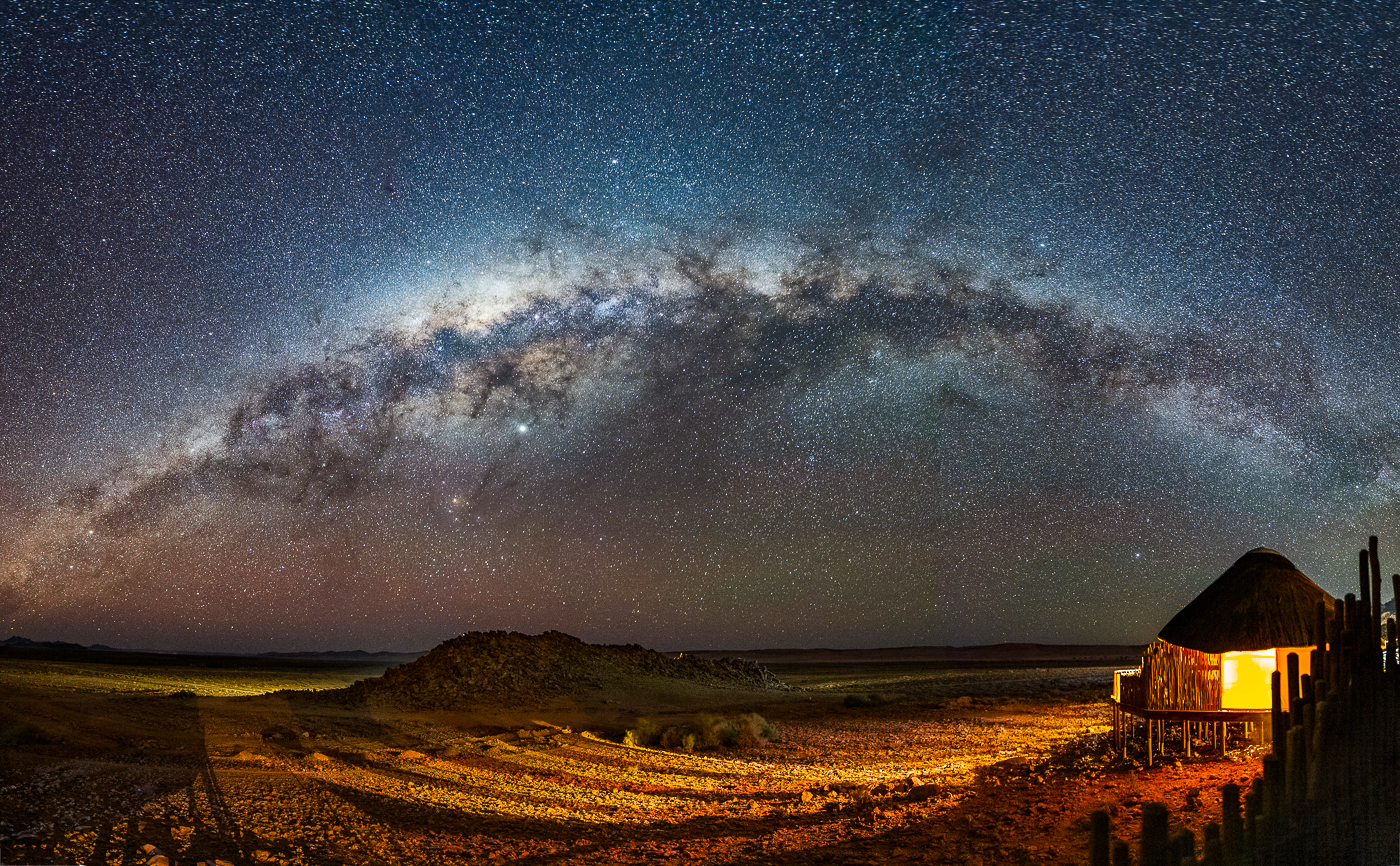 32Open_Lily_Chang_2_Milky_Way_over_Sossus_Lodge_in_Namibia