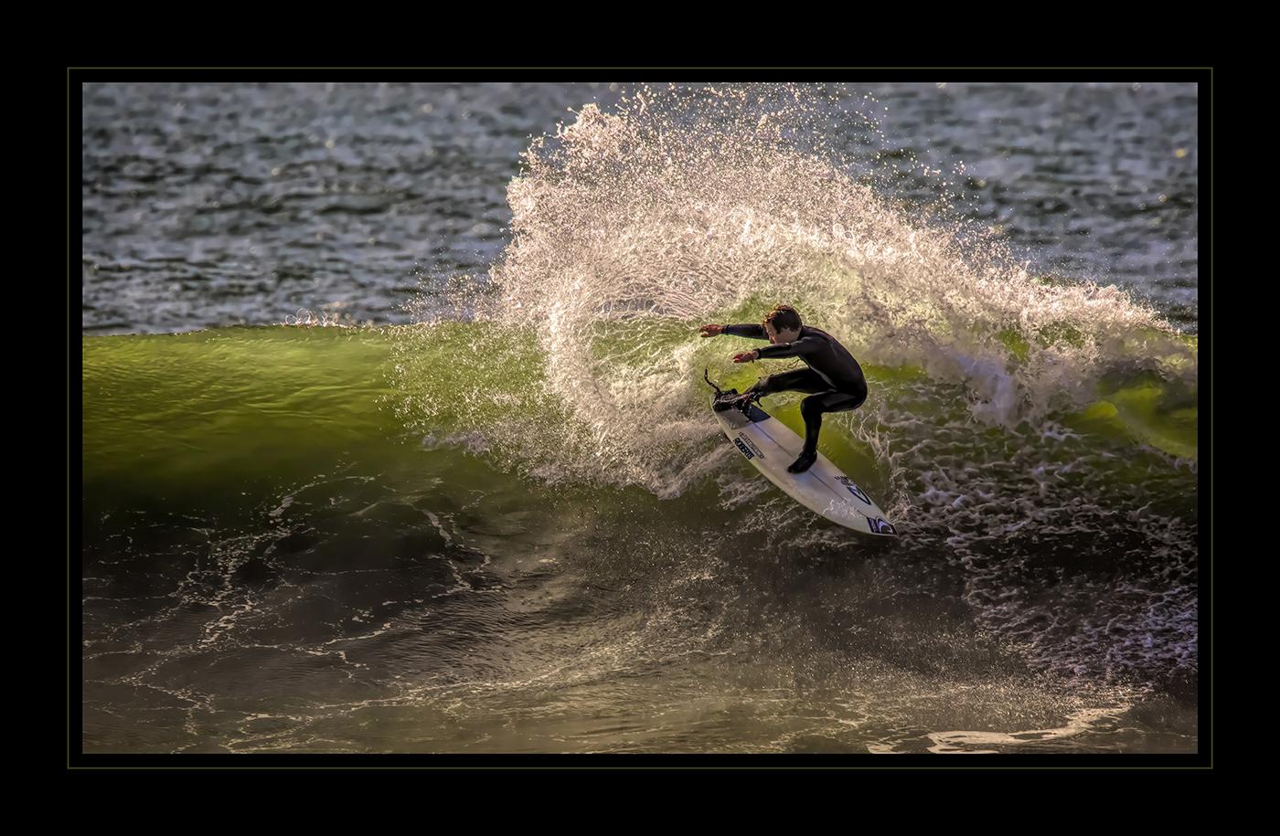 DCC-32Larry_White_2_Surfs_Up